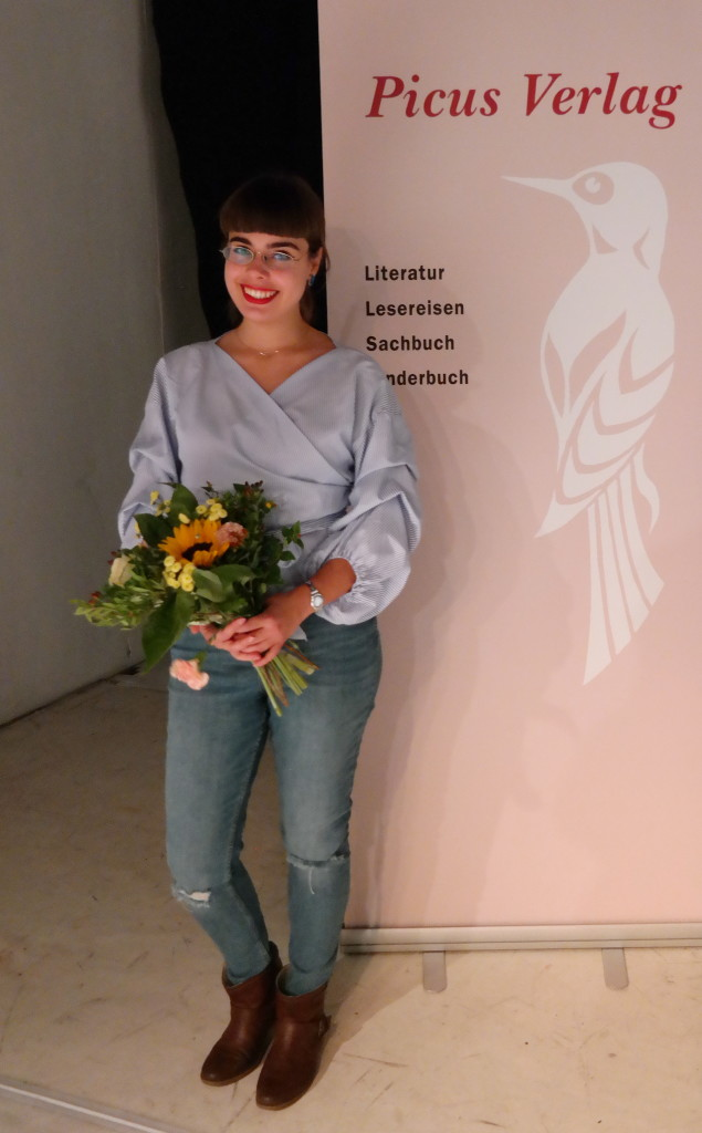 Dori mit Blumen