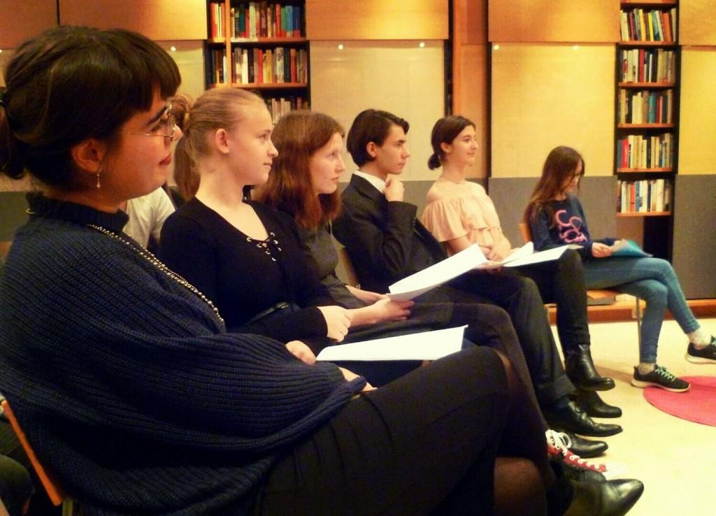 Sarah Guttmann, Anna Bauer, David Burits, Fanny Berghofer, Sophie Bader - und ganz links, stolz, ich